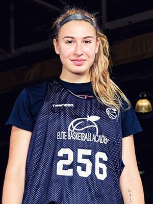 Sarah Dumitrescu